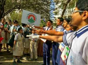 School students taking pledge against plastic use